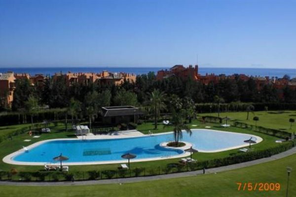 Penthouse Apartment: View to Pool, Sea, Garden, Gib
