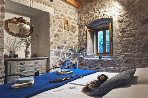 Holiday home in Hvar - House Mediterranea: Master bedroom