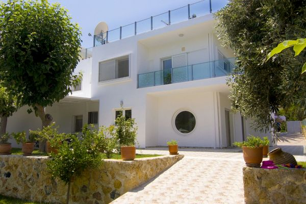 Luxury villa at the beach: Villa Asteri - Entrance
