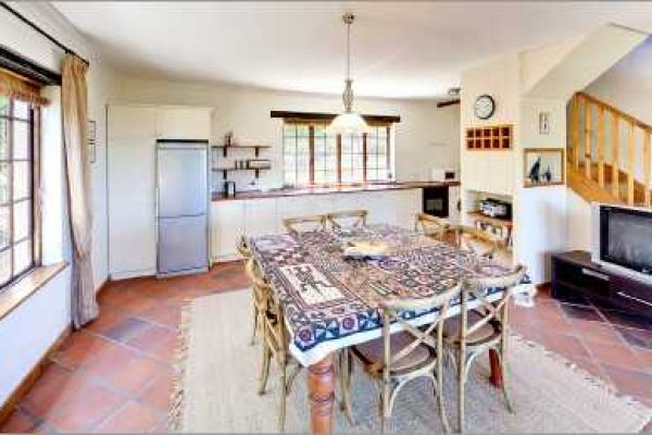 Cape Dutch style villa: Kitchen (Cottage)