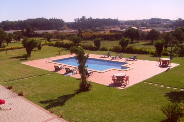 LARGE LUXURIOUS VILLA NEAR PORTO CITY: THE GROUNDS