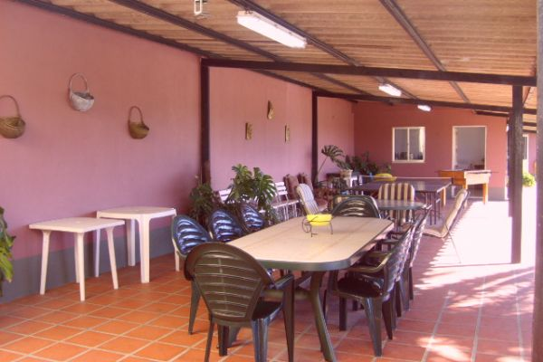 LARGE LUXURIOUS VILLA NEAR PORTO CITY: OUTSIDE EATING AREA