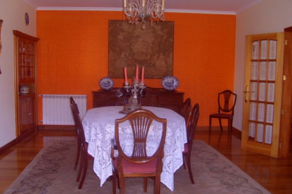 LARGE LUXURIOUS VILLA NEAR PORTO CITY: DINNING ROOM