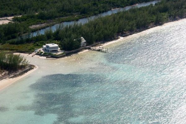 Beachfront elevated eco-friendly villa  : Aerial view of our home