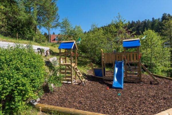 Black Forest holiday home with sauna: playground