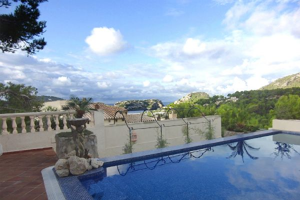 Finca with habor/sea view: