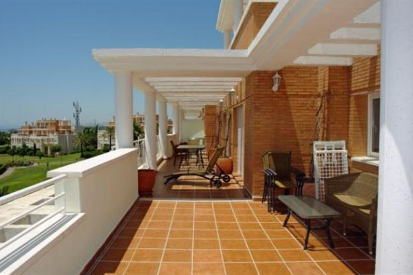 Penthouse Apartment: Main Terrace