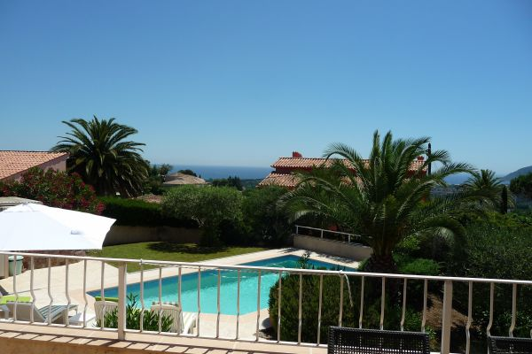 Villa: Views to the sea