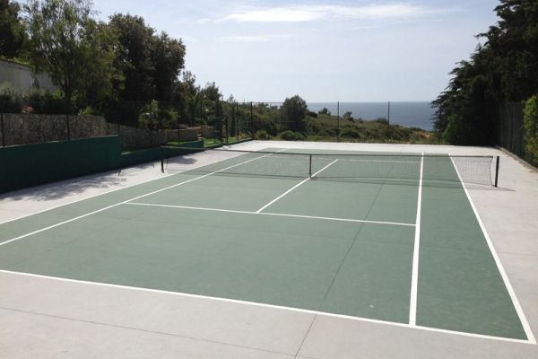 Coastal Villa near Lagos: Tennis Court