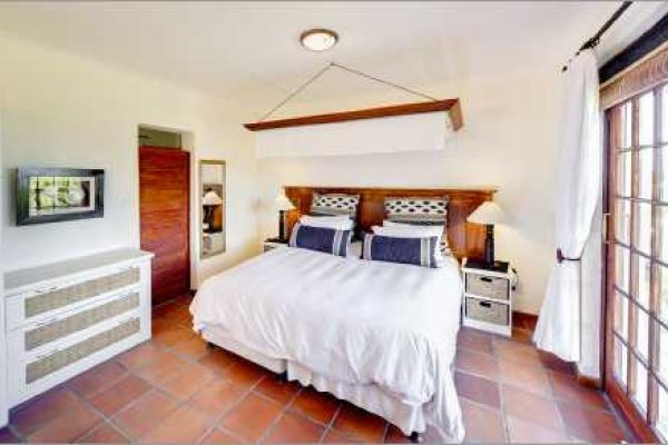 Cape Dutch style villa: Bedroom Noordhoek Beach