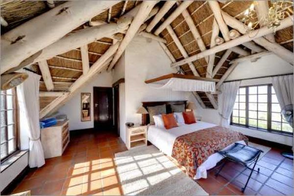 Cape Dutch style villa: Master bedroom