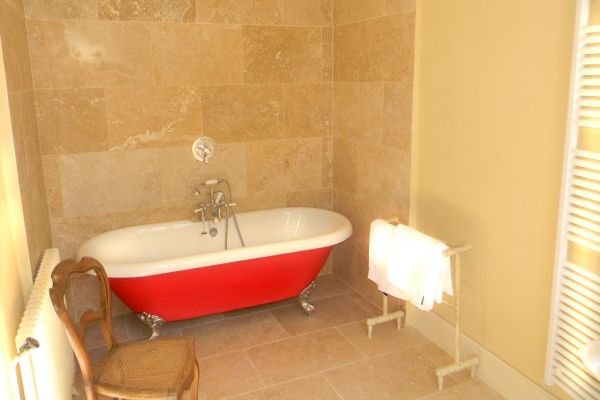 Elegant 17th century villa: Luxurious ensuite bathroom