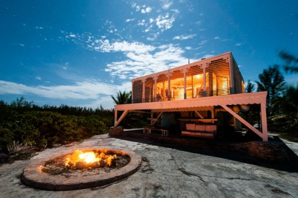 Beachfront elevated eco-friendly villa  : Enjoy a bonfire